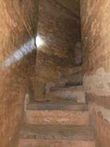 图3-5 丰州白塔内景(楼梯)
