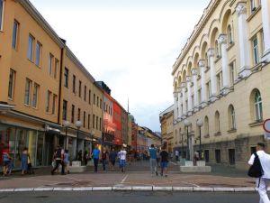 巴尼亚卢卡市中心的步行街