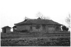 图10 村民自发修建的新觉寺