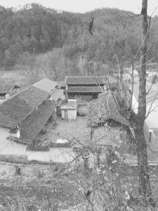 图1-9 河源村普通的纳西族村民宅院