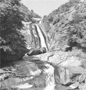 图1 金钟瀑