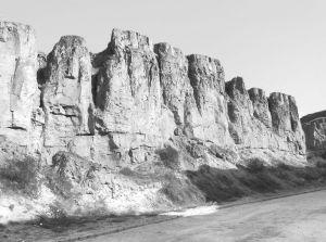 图8-3 水洞沟城墙