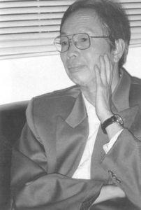 图2-41 著名作家陆昭环