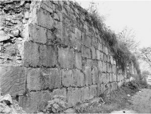 郎岱城址城墙