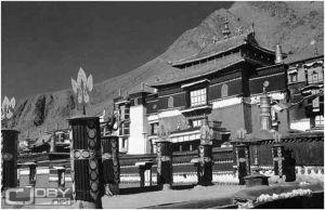 图1-16 扎什伦布寺正殿