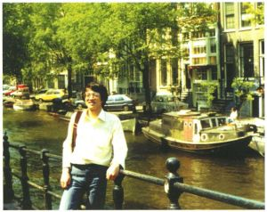 本文作者于20世纪80年代初首次游览阿姆斯特丹时留影