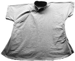 图5-4 疍民短袖襟衫