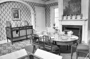 图3 波士顿美术馆内家具使用环境展示