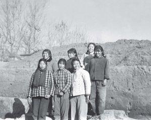 参与发掘的部分工人合影(1974年)