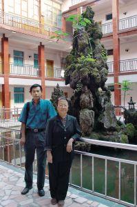 郑振香、唐际根合影(2001年)