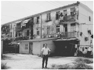 2011年7月,课题组成员到侨港镇归侨的危旧房居住区调研