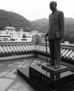 台北故宫的蒋介石雕像(作者摄影)