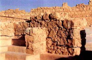 犹太古迹:黑线以上的是新修的城墙