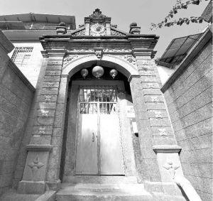 图81 旺梨楼的门楼