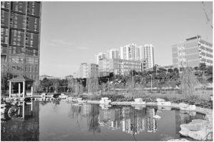图1 重庆邮电大学移通学院校园风光